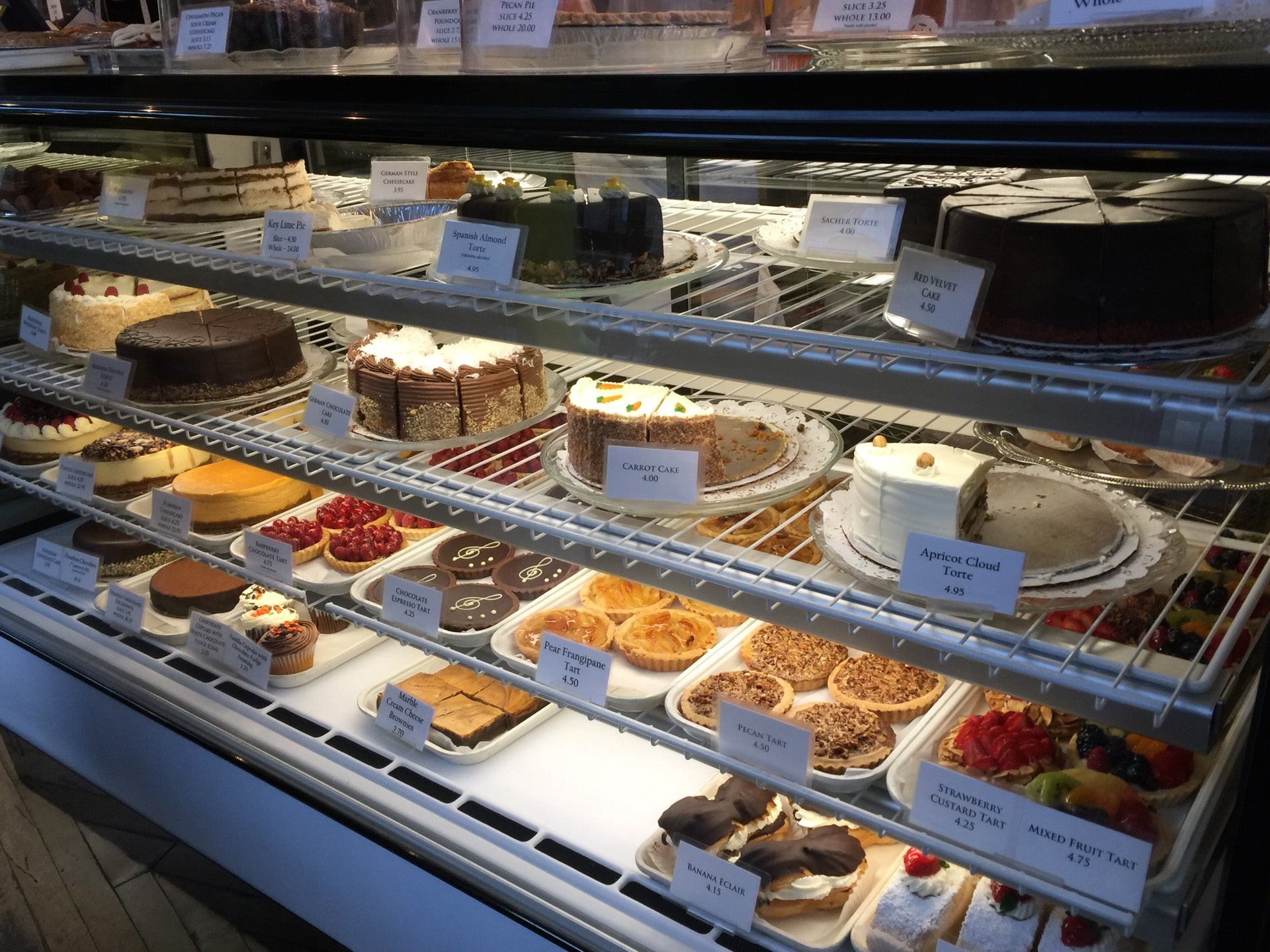 Cafe Selmarie Bakery - Top Brunch Restaurants Chicago No-Reservation NextME Waitlist App