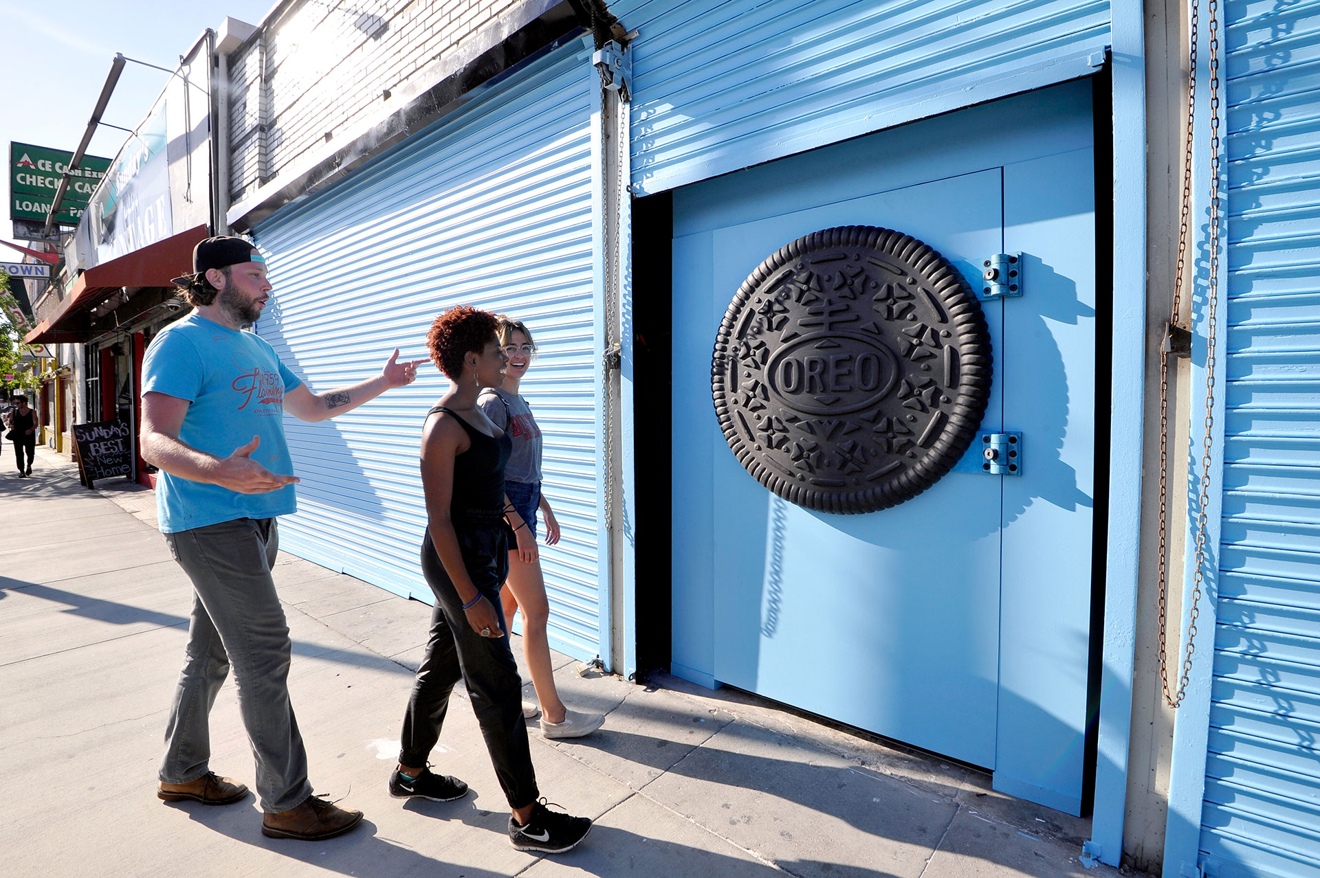 Mysterious Oreo Storefront - Photo Courtesy of Marketing-Interactive.com